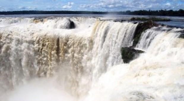 "Cascada Iguaçu – ""apa cea mare"""